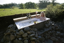 centre hill cottage outdoor bath